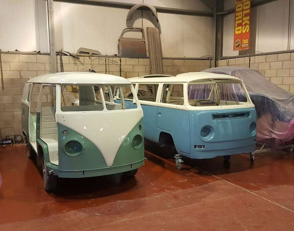 Turkis 1967 Splitscreen and Niagra Blue 1972 Bay Window